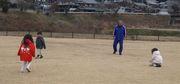 子供たちとサッカー.jpg