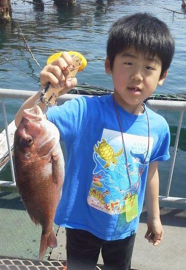 須磨海釣り公園の海上釣堀.jpg